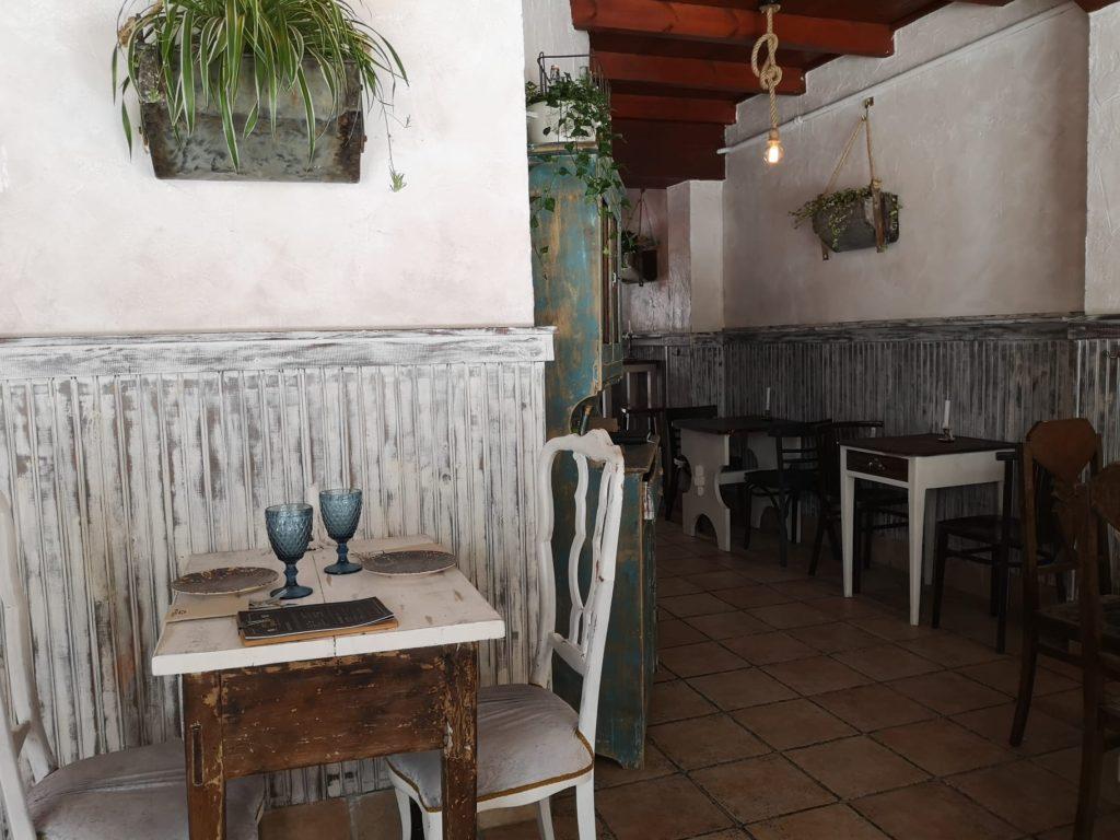 Interior Piccola Gijón